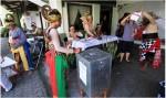 Souvenir Pemilu, TPS Unik Ini Membagikan Souvenir Kepada Pencoblos