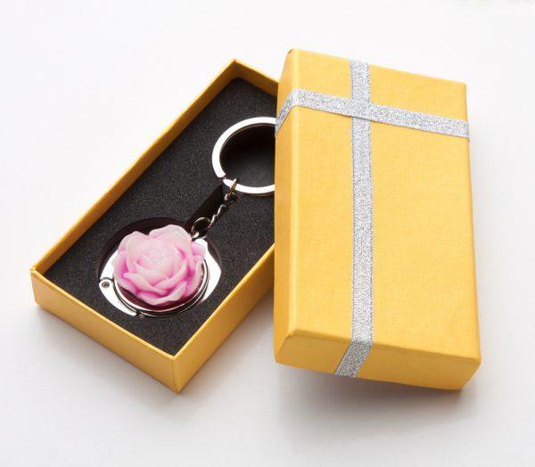 Gantungan kunci berbentuk mawar