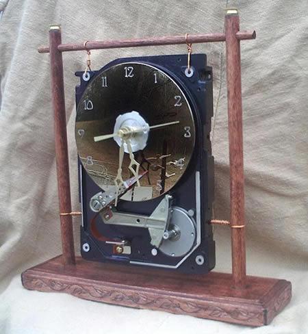 Jam Meja dari Hardisk Komputer