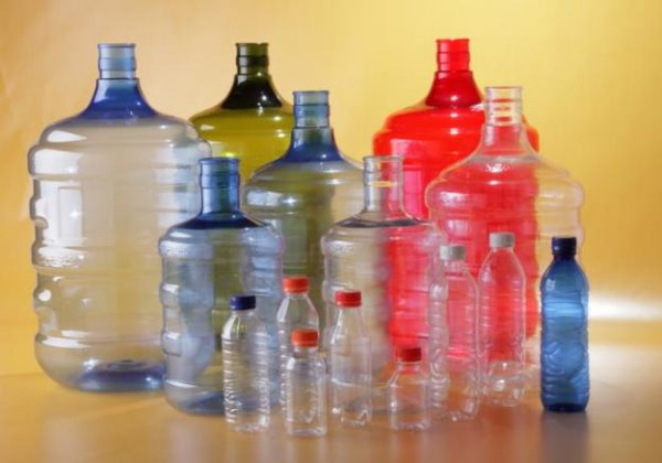 Karakter Botol Bekas Sebagai Bahan Baku Kerajinan