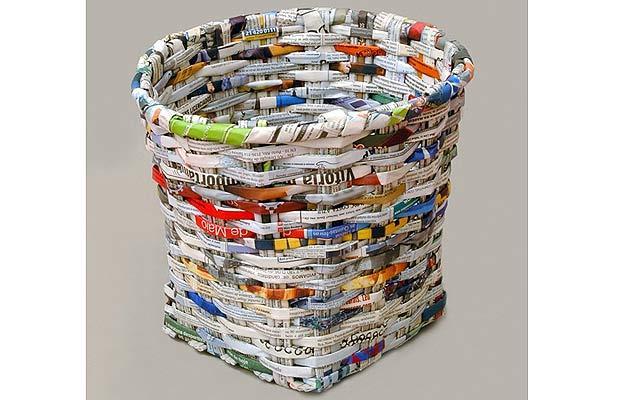 Mempersiapkan Koran Bekas Sebagai Bahan Baku Kerajinan
