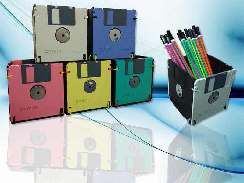Contoh Kerajinan Tangan dari Barang Elektronik Bekas