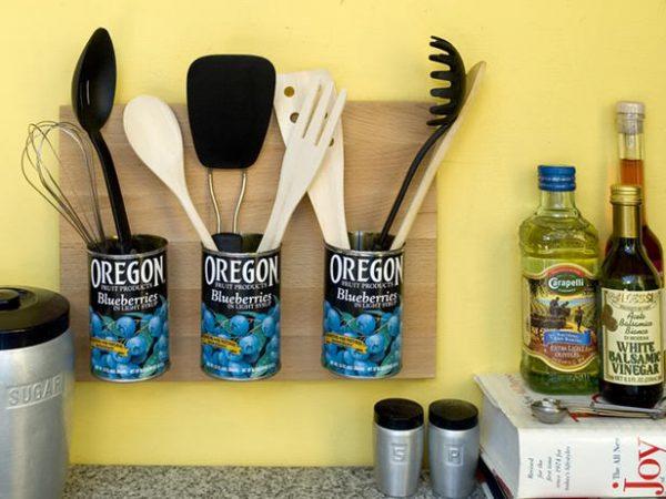 Tempat Peralatan Dapur dari Kaleng Bekas