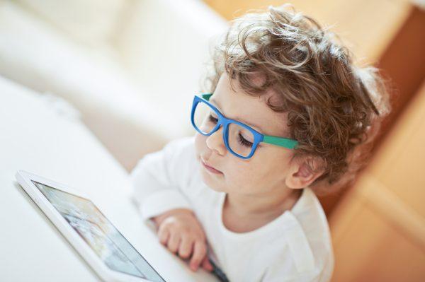 Kacamata dari Kayu