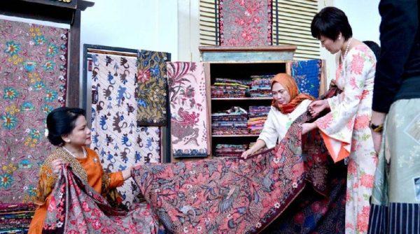 contoh kerajinan tekstil beserta gambarnya, kerajinan tekstil tradisional, produk kerajinan tekstil dan gambarnya