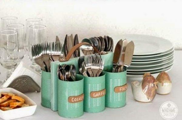 Peralatan makan dari kaleng bekas