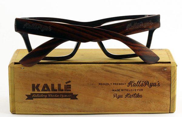 Kacamata - blog.qlapa.com