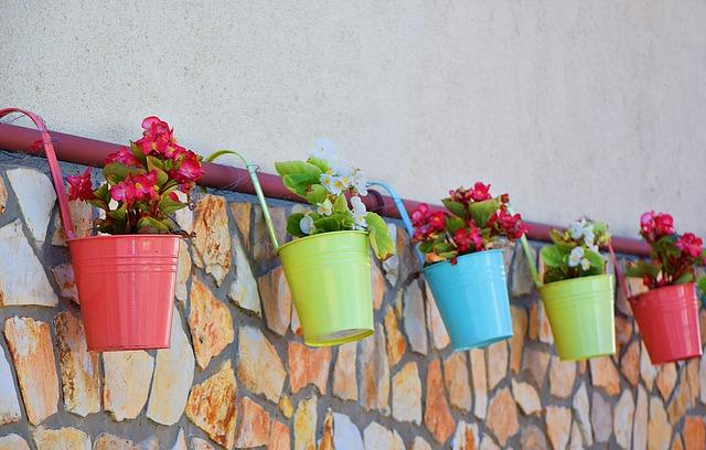 Kerajinan Pot Bunga
