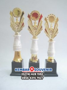 Harga Piala Marmer, Harga Piala Lomba, Kaki 4
