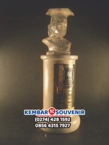 Jual Hadiah Wisuda, Souvenir Wisuda Murah, Grosir Boneka
