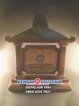 Piala Kayu, Trofi Kayu, Harga Piala Kayu Presiden