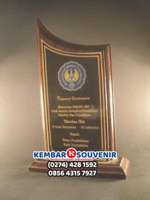 Souvenir Wisuda Murah