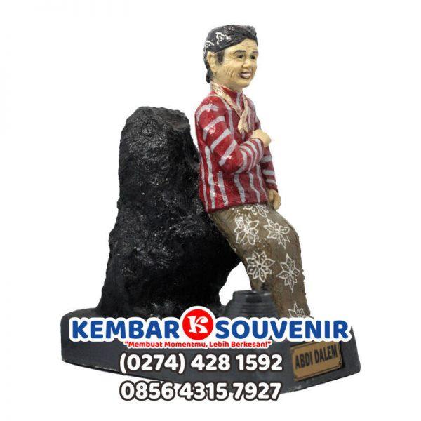 Kerajinan Fiberglass Jogja, Miniatur Patung Orang