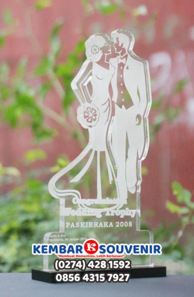 Harga Plakat Akrilik, Plakat Trophy