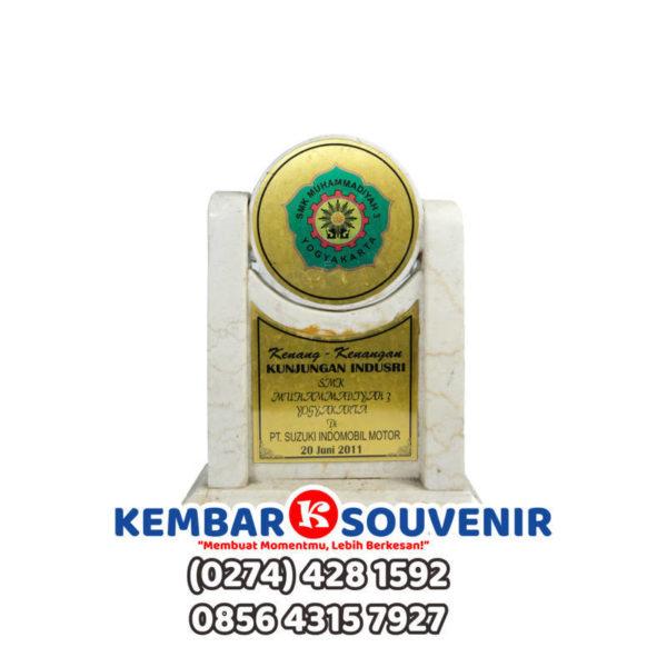 Model Plakat Kayu, Cetak Plakat Jakarta