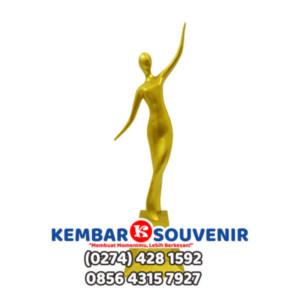 Jakarta Trophy | Bentuk Piala