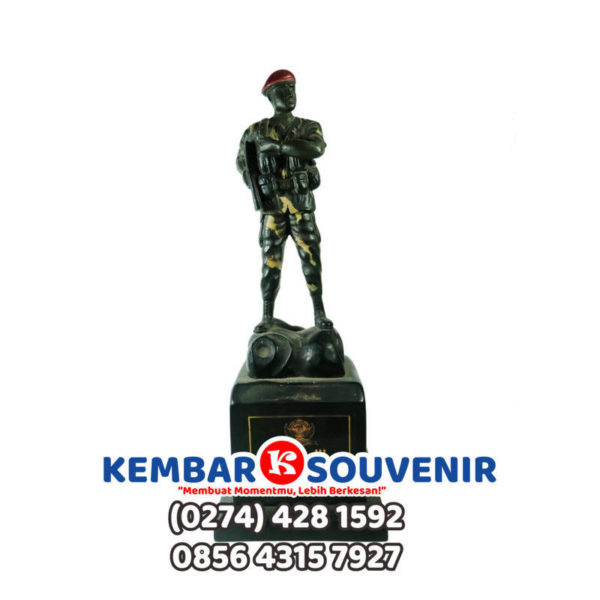 miniatur patung tentara, miniatur tentara indonesia