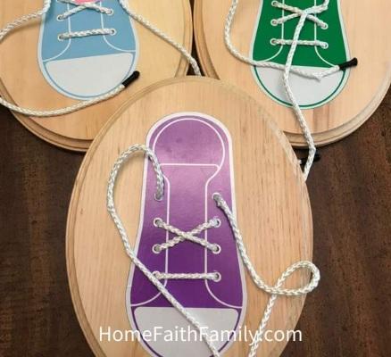 Kerajinan Sederaha Tutorial Mengikat Sepatu untuk Anak-Anak
